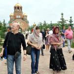 Участники фестиваля КРАСНАЯ ГОРА в Свято-Троицкой Симеоновой Обители Милосердия