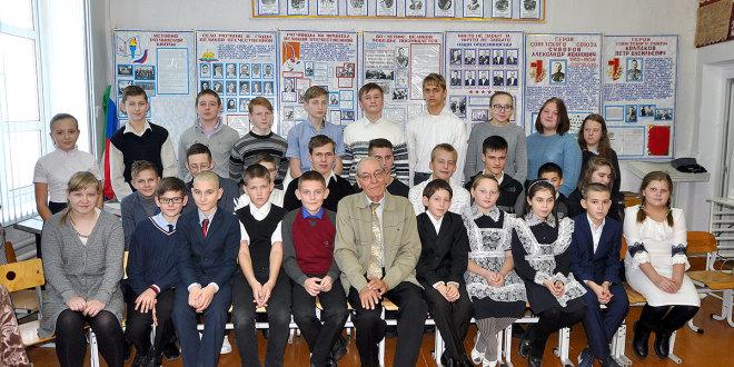Пётр Краснов в школе села Ратчино