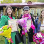 Лауреаты семинара-совещания «Мы выросли в России» прошлого года с сертификатами на издание книг