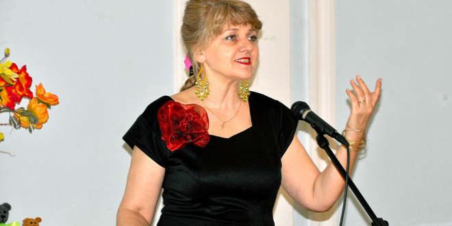 Видеопоэзия. Елена Кубаевская читает авторское стихотворение
